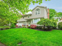 Photo of 3 Wentworth Dr, Dix Hills, NY 11746 (MLS # 3031682)