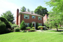 Photo of 132 Muirfield Rd, Rockville Centre, NY 11570 (MLS # 3045913)