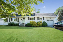 Photo of 597 Everdell Ave, West Islip, NY 11795 (MLS # 3046497)
