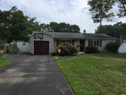 Photo of 96 Lake St, Islip, NY 11751 (MLS # 3048518)