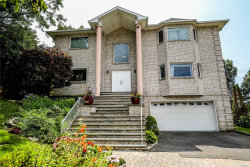 Photo of 10 Crest Hollow Ct, Farmingdale, NY 11735 (MLS # 3053237)