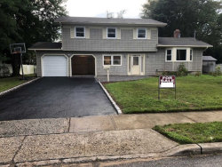 Photo of 26 Cornell Dr, Wheatley Heights, NY 11798 (MLS # 3055604)