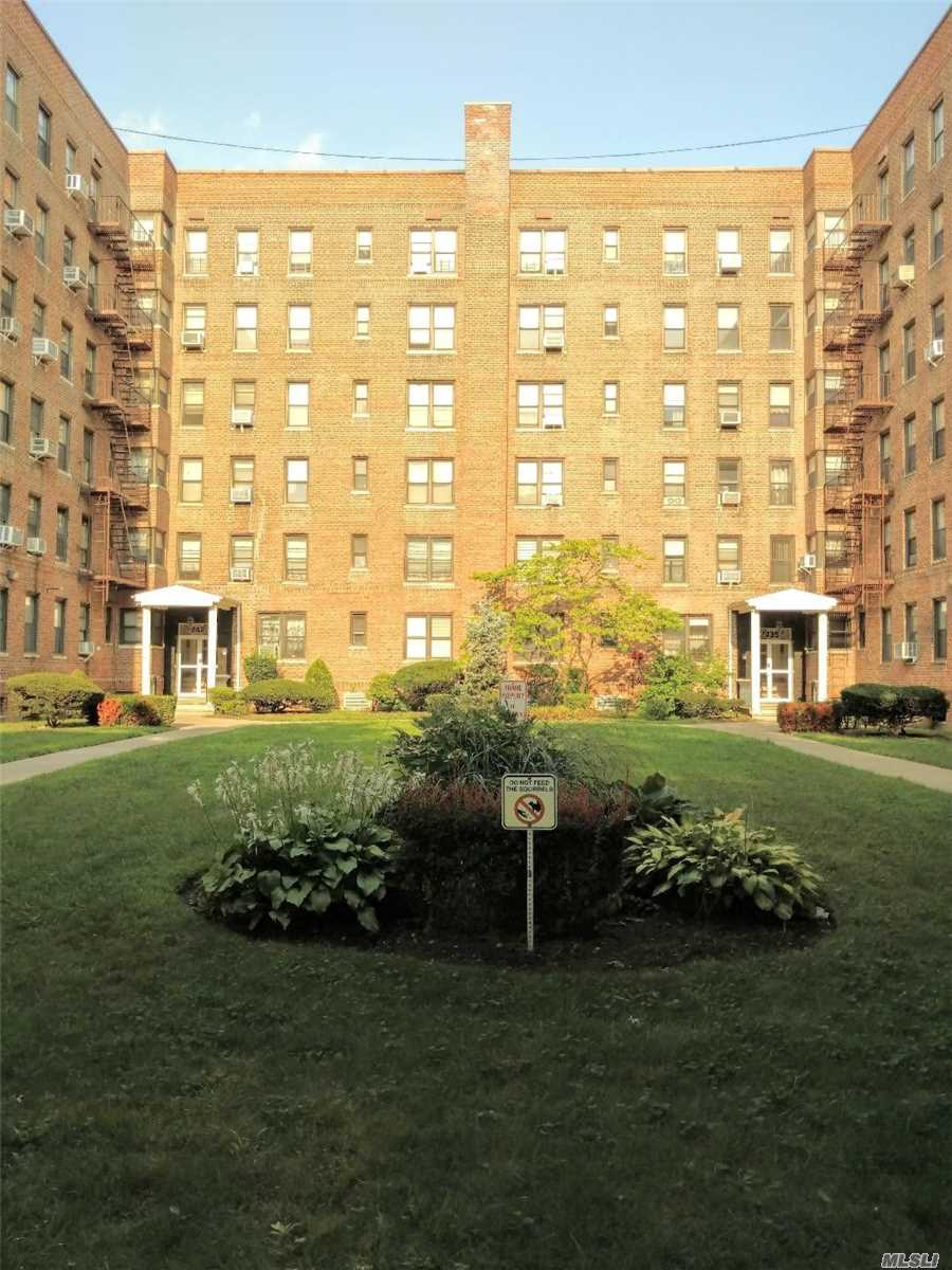 Photo for 2425 Haring Street , Unit 1J, Sheepshead Bay, NY 11235 (MLS # 3058489)