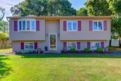 Photo of 2 Westminster Ln, West Islip, NY 11795 (MLS # 3062819)