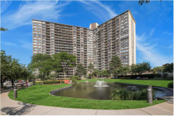 Photo of 2 Bay Club , Unit 21 B, Bayside, NY 11360 (MLS # 3063087)