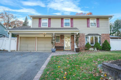 Photo of 8 Amherst Ln, Smithtown, NY 11787 (MLS # 3081348)
