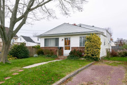 Photo of 33 Taft Pl, Lindenhurst, NY 11757 (MLS # 3081724)