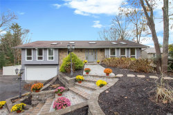 Photo of 19 Woodland Ln, Smithtown, NY 11787 (MLS # 3083166)
