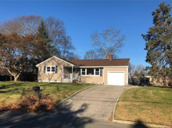 Photo of 37 Driftwood Ln, East Moriches, NY 11940 (MLS # 3083904)