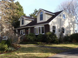 Photo of 6 Sheffield Ln, East Moriches, NY 11940 (MLS # 3084604)
