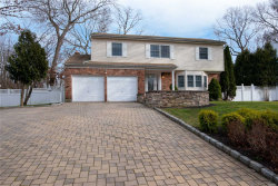 Photo of 11 Format Ln, Smithtown, NY 11787 (MLS # 3085838)