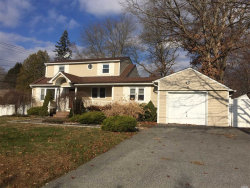 Photo of 6 Wildwood Ln, Smithtown, NY 11787 (MLS # 3086987)
