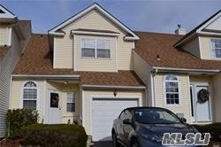Photo of 3 Blueberry Ct, Melville, NY 11747 (MLS # 3095369)