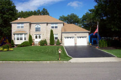 Photo of 1 Chateau Dr, Manorville, NY 11949 (MLS # 3100586)