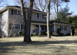 Photo of 22 Ivy Hill Dr, Smithtown, NY 11787 (MLS # 3101608)