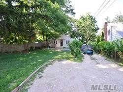Photo of 39 E 20th St, Huntington Sta, NY 11746 (MLS # 3112471)