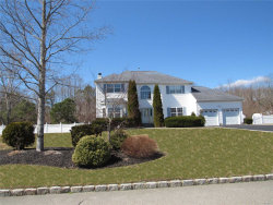 Photo of 20 Chateau Dr, Manorville, NY 11949 (MLS # 3114907)
