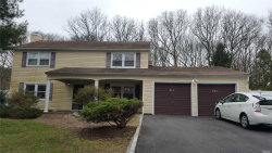 Photo of 330 Oxhead Rd, Stony Brook, NY 11790 (MLS # 3117380)