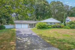 Photo of 20 Sedgewick Ln, Stony Brook, NY 11790 (MLS # 3151463)