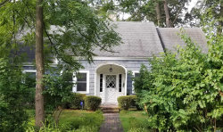 Photo of 10 Shore Oaks Dr, Stony Brook, NY 11790 (MLS # 3153658)