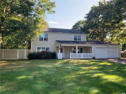 Photo of 14 Stratton Ln, Stony Brook, NY 11790 (MLS # 3168898)