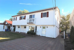 Photo of 3 Wendell St, Plainview, NY 11803 (MLS # 3173146)