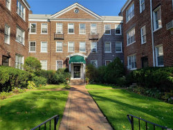 Photo of 1 Meadow Dr , Unit 2D, Woodmere, NY 11598 (MLS # 3178608)