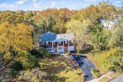 Photo of 84 Wesleyan Rd, Smithtown, NY 11787 (MLS # 3180902)