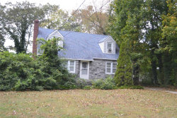Photo of 50 Summit Dr, Smithtown, NY 11787 (MLS # 3181701)