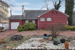 Photo of 831 Glen Dr, Woodmere, NY 11598 (MLS # 3190448)