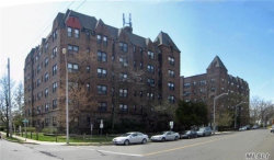 Photo of 141 Wyckoff Pl , Unit 3E, Woodmere, NY 11598 (MLS # 3198617)