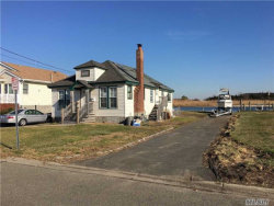 Photo of 519 Venetian Blvd, Lindenhurst, NY 11757 (MLS # 2984439)