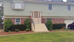 Photo of 19 Westminster Ln, West Islip, NY 11795 (MLS # 3050584)