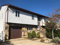 Photo of 809 Canal St, Lindenhurst, NY 11757 (MLS # 3081025)