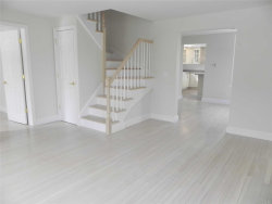 Photo of 1415 Old Northern Blvd , Unit 2N, Roslyn, NY 11576 (MLS # 3111672)