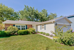 Photo of 196 Coachlite Trail, CAROL STREAM, IL 60188 (MLS # 09654685)