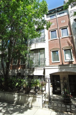 Photo of 1413 S Prairie Avenue, Unit Number A-7, CHICAGO, IL 60605 (MLS # 09668376)