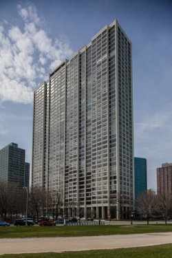 Photo of 2800 N Lake Shore Drive, Unit Number 1303, CHICAGO, IL 60657 (MLS # 09670670)