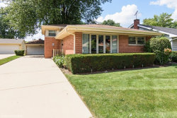Photo of 410 S Pine Street, MOUNT PROSPECT, IL 60056 (MLS # 09717210)