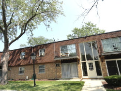 Photo of 665 Grove Drive, Unit Number 211, BUFFALO GROVE, IL 60089 (MLS # 09723536)