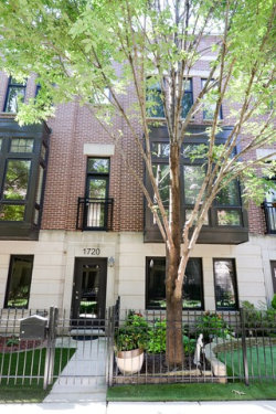 Photo of 1720 W Surf Street, Unit Number 36, CHICAGO, IL 60657 (MLS # 09723860)