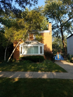 Photo of 6831 N Lowell Avenue, LINCOLNWOOD, IL 60712 (MLS # 09726786)