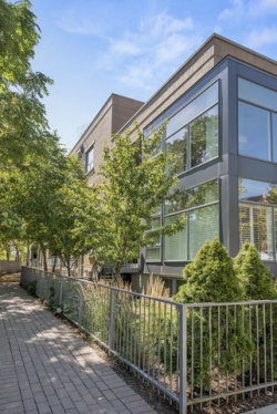 Photo of 1307 W Wrightwood Avenue, Unit Number 104, CHICAGO, IL 60614 (MLS # 09755478)