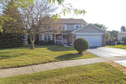 Photo of 2 Hidden Valley Court, BOLINGBROOK, IL 60490 (MLS # 09757326)