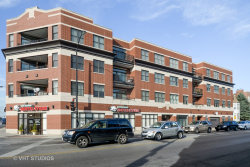 Photo of 2472 W Foster Avenue, Unit Number 202, CHICAGO, IL 60625 (MLS # 09770880)