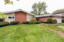 Photo of 6708 N Kedvale Avenue, LINCOLNWOOD, IL 60712 (MLS # 09793135)