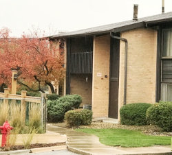 Photo of WILLOWBROOK, IL 60527 (MLS # 09799429)