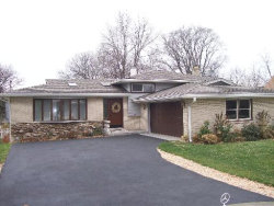 Photo of 5708 Wolf Road, WESTERN SPRINGS, IL 60558 (MLS # 09801706)