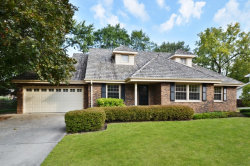 Photo of 1628 Longvalley Drive, NORTHBROOK, IL 60062 (MLS # 09812892)