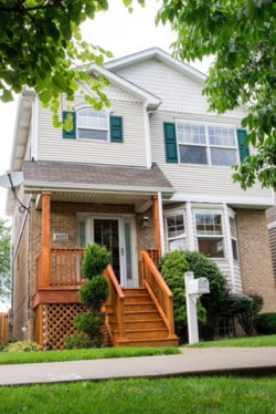 Photo of 6152 W 60th Street, CHICAGO, IL 60638 (MLS # 09815363)